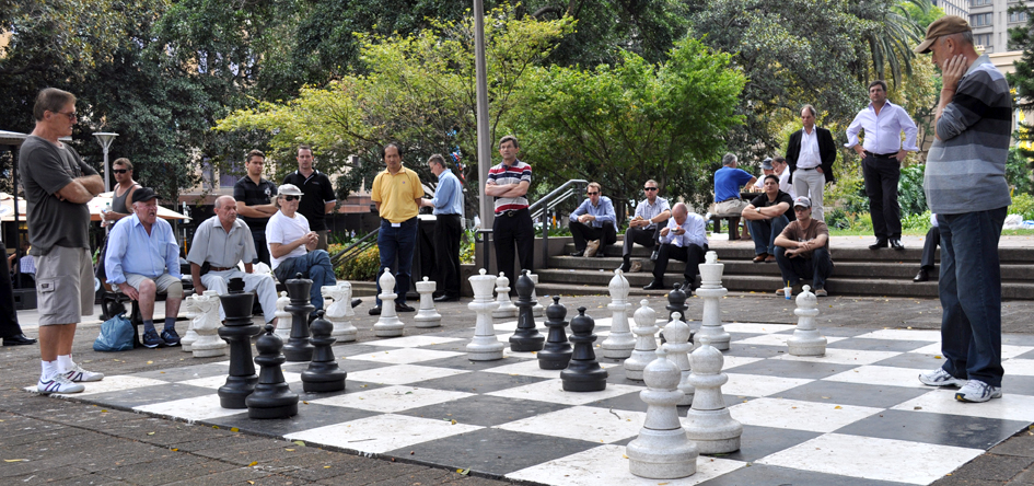 1/29/10-Two men go head to head in a game of chess in Hyde Park in Sydney Australia.Photo by Bobbi Lee Hitchon