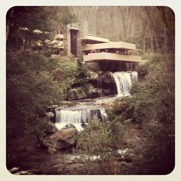 Falling Water Frank Lloyd Wright
